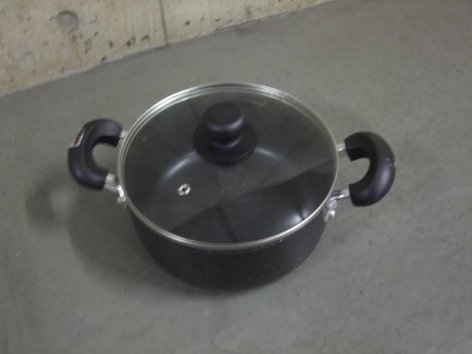 鍋とフライパン01