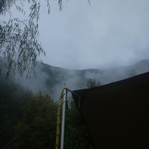 雨あがりの朝02