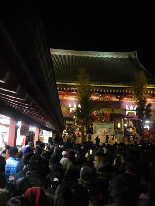 浅草寺初詣08