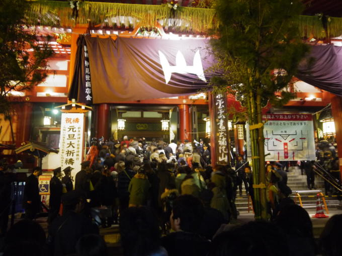 浅草寺初詣09
