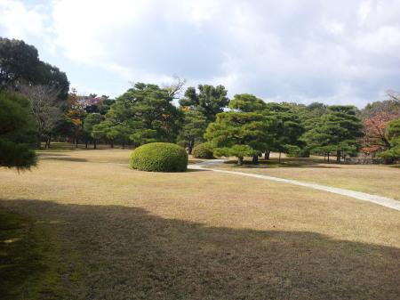 b2012-11-20 11.11.07二の丸庭園