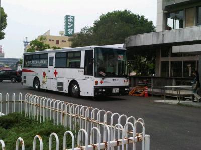 庭山氏撮影献血車400