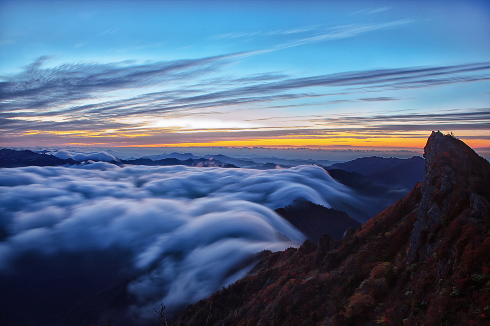 流れゆく雲海