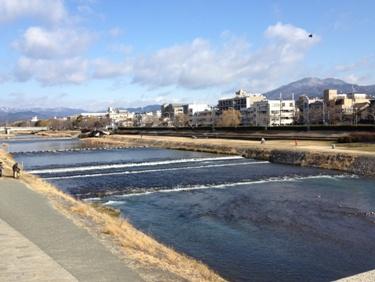 右奥が比叡山です。