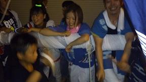 DSC_0913太鼓を打つ子供