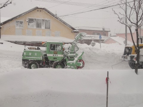 20130221除雪車救出 (2)
