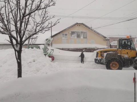 20130221除雪車救出 (3)