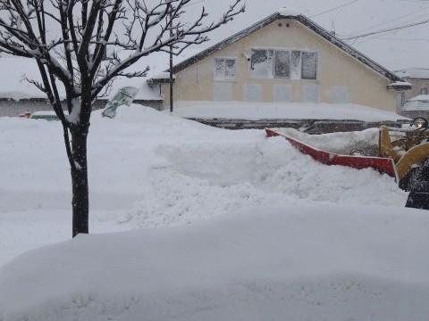 20130221除雪車救出 (5)