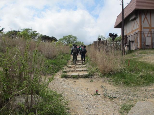 六甲山2012春(その2 風吹岩 ~最高峰編) 最高峰まで4