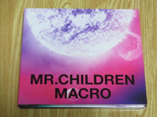 Mr.Childrenの「MACRO」