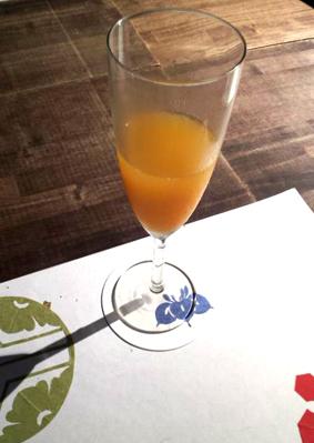 食前酒のミモザのカクテル