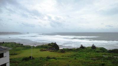 台風16号接近中1
