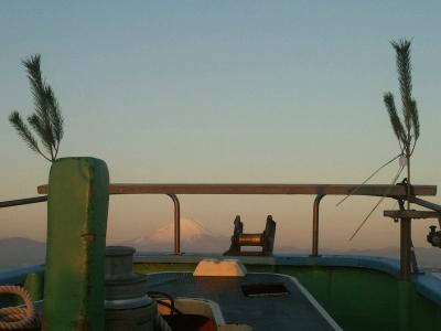 船にも松飾。