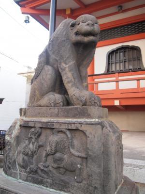 吽形の石虎像