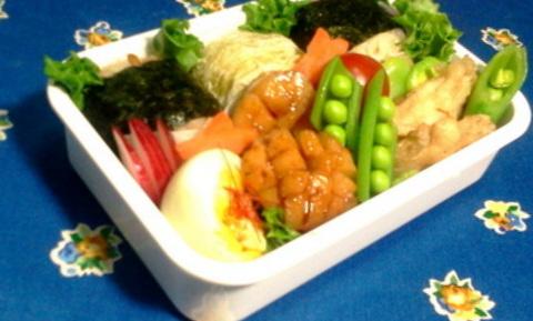1-1-2012-04-13 06.39.25お弁当
