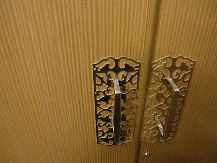 桐たんす扉の金具、銀メッキ