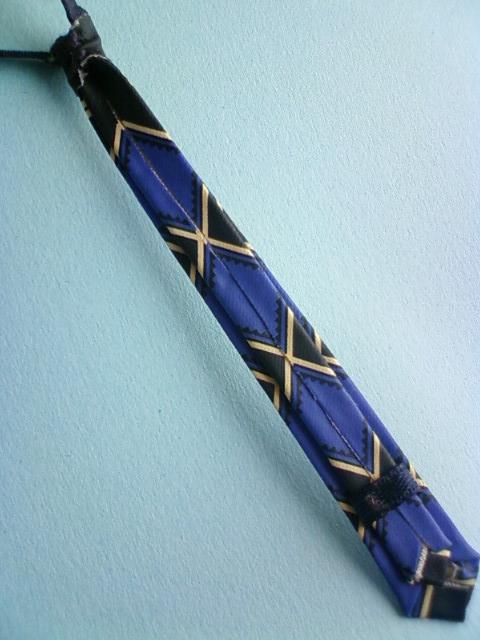 kira_necktie_g.jpg