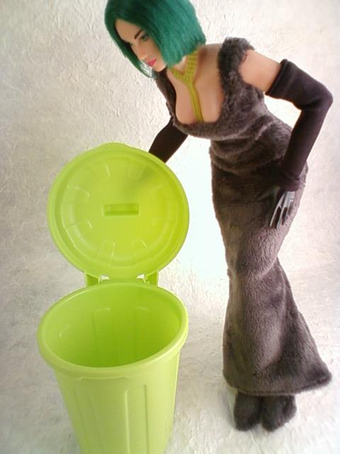 plastic_bucket_c.jpg