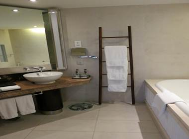 インターコン デラックス バスルーム