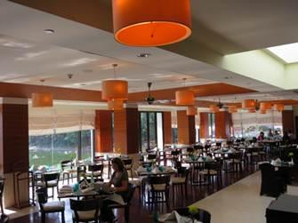 インターコン レストラン カフェドラック6