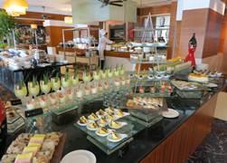 インターコン レストラン カフェドラック3