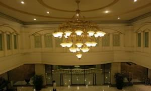 天井のシャンデリア2