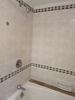 壁面固定式のシャワー