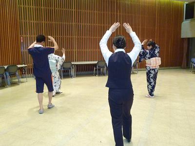 山口総踊り練習2