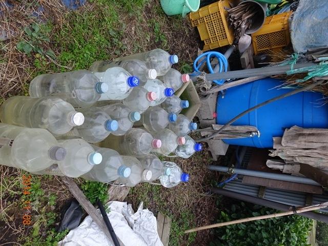 ペットボトルで水を確保
