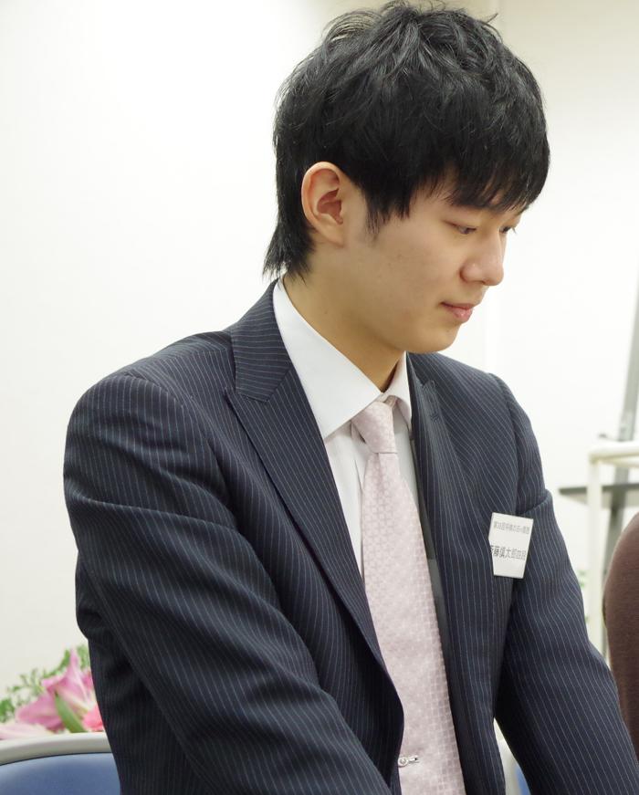 イベント初登場の斎藤慎太郎四段