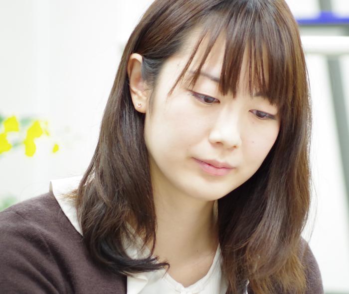 室谷由紀女流初段の真剣な表情