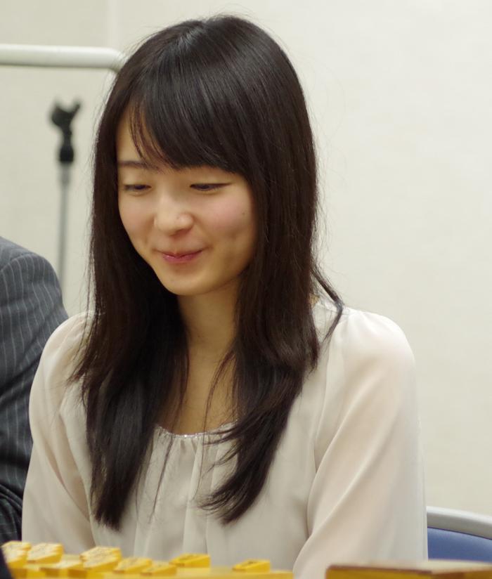 室田伊緒女流初段の笑顔