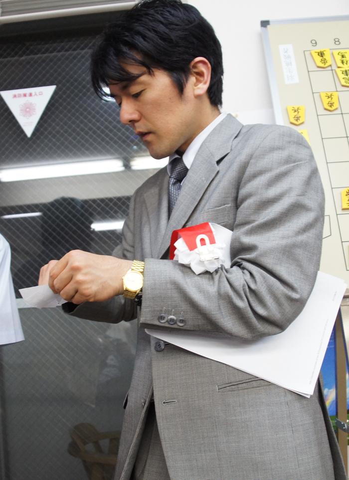 続いて窪田六段も当選者発表