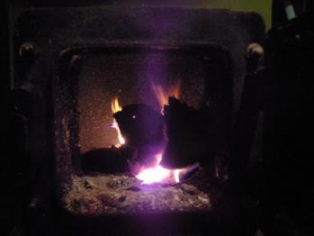 お風呂用薪ボイラの火