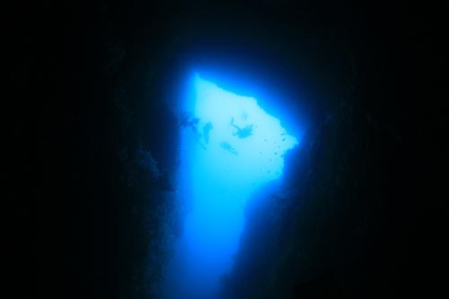 ブラックトンネル★