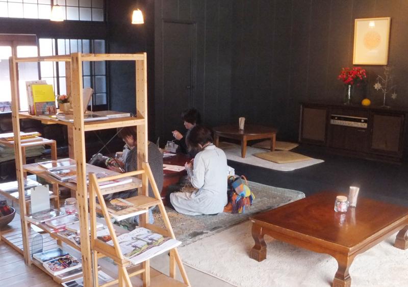 麻ひもバッグ編み物教室風景