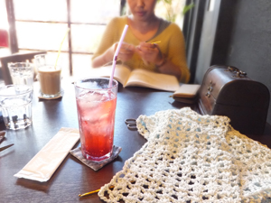 ニットカフェ風