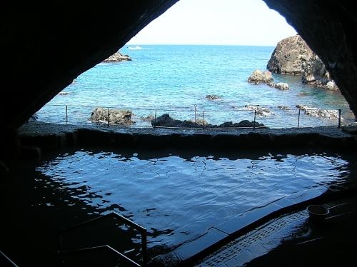ホテル浦島忘帰洞からの眺め1