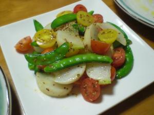 蕪・さやえんどう・ミニトマトのサラダ