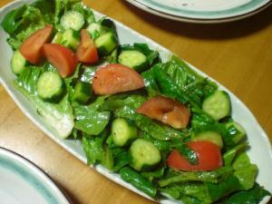 ロメインレタス・キュウリ・トマトのサラダ