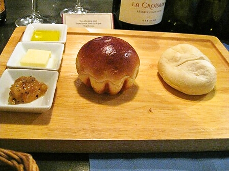ブリオッシュと白パン