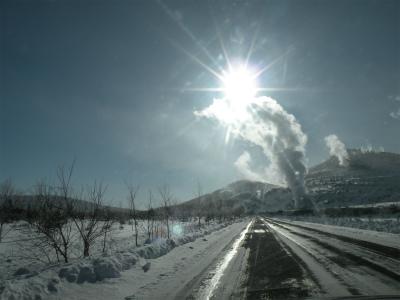 蒸気立ち上る硫黄山