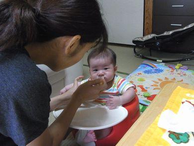 2012-07-21 初めての離乳食 (16)