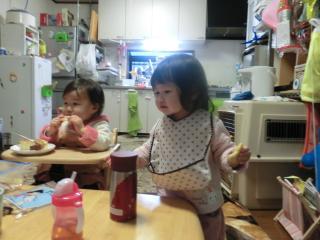 アンパンマンクッキーをパクリ女子