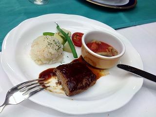 s-20120512レストラン食事子供用
