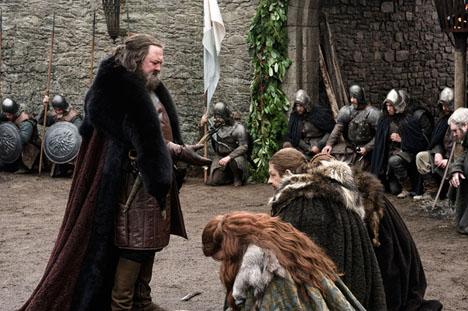 Eddard-and-Catelyn-Stark-with-Robert-Baratheon-lord-eddard-ned-stark-29540202-604-402.jpg