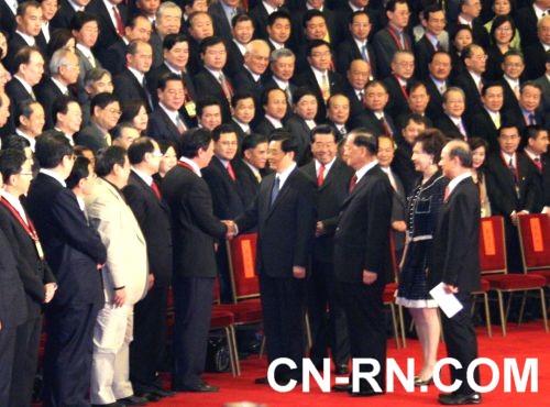 620 胡錦濤與郭台銘今天握手時間最長,超過22秒,引人注目