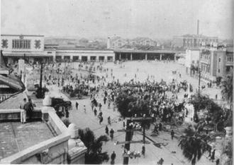 台湾写真228 1947年2月28日上午,台北市抗議民眾聚集。(圖/資料照/二二八基金會提供)