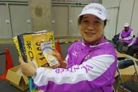 BL121124大阪マラソン受付3DSC00500