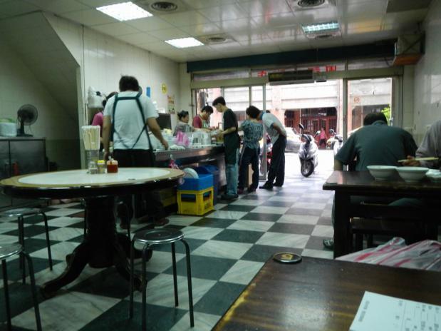 台湾ツアー2012 周記肉粥店 (83)